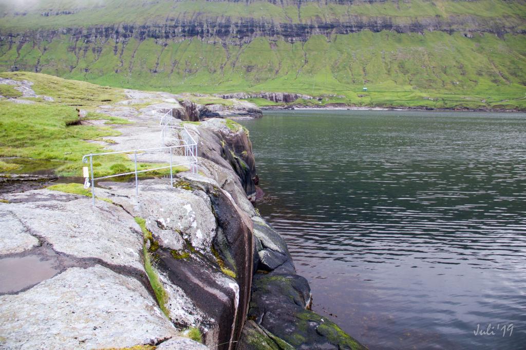 Oyndarfjørður - Hellurnar