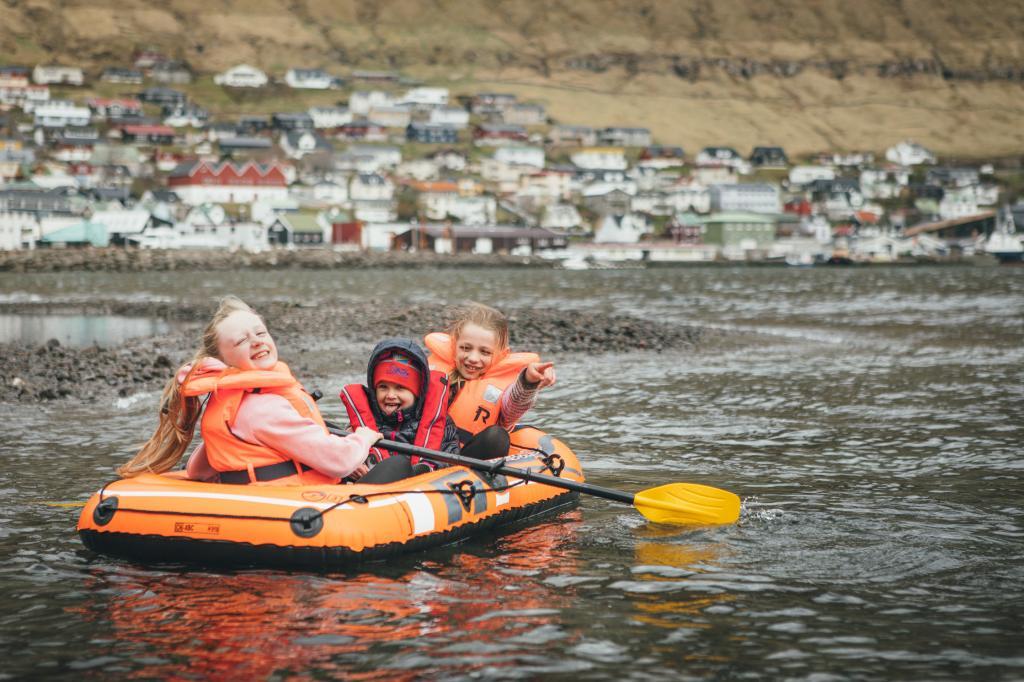 Fuglafjørður - Hellurnar